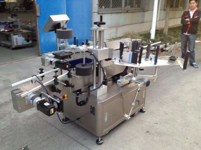 China Opp Flasche Automatische Aufkleber Applikator Maschine für Hochgeschwindigkeits-Schmelzkleber Lieferanten